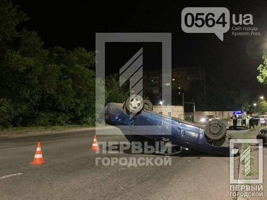 В Кривом Роге пьяный водитель перевернул свой автомобиль на крышу, - ФОТО, фото-4