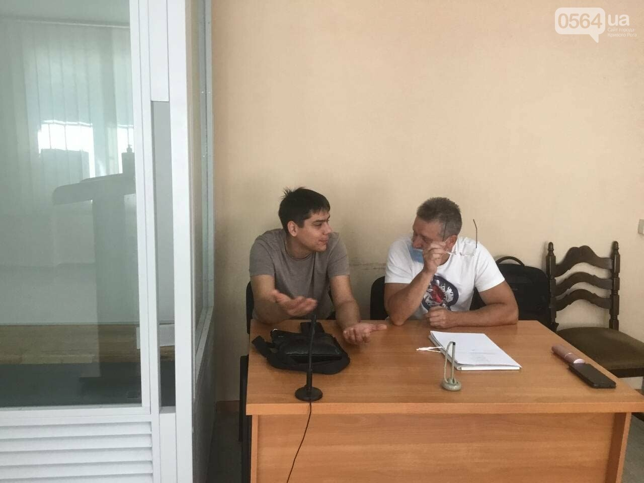 Муниципальный гвардеец против активиста: в суде заявили ходатайства о реагировании на противозаконные действия полицейских, - ФОТО, ВИДЕО, фото-3