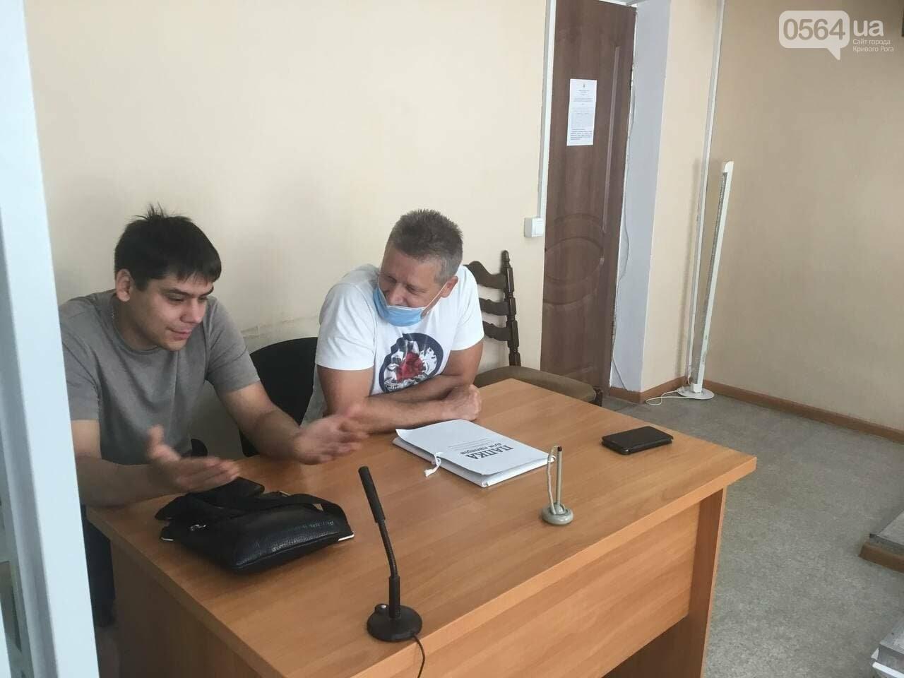 Муниципальный гвардеец против активиста: в суде заявили ходатайства о реагировании на противозаконные действия полицейских, - ФОТО, ВИДЕО, фото-5