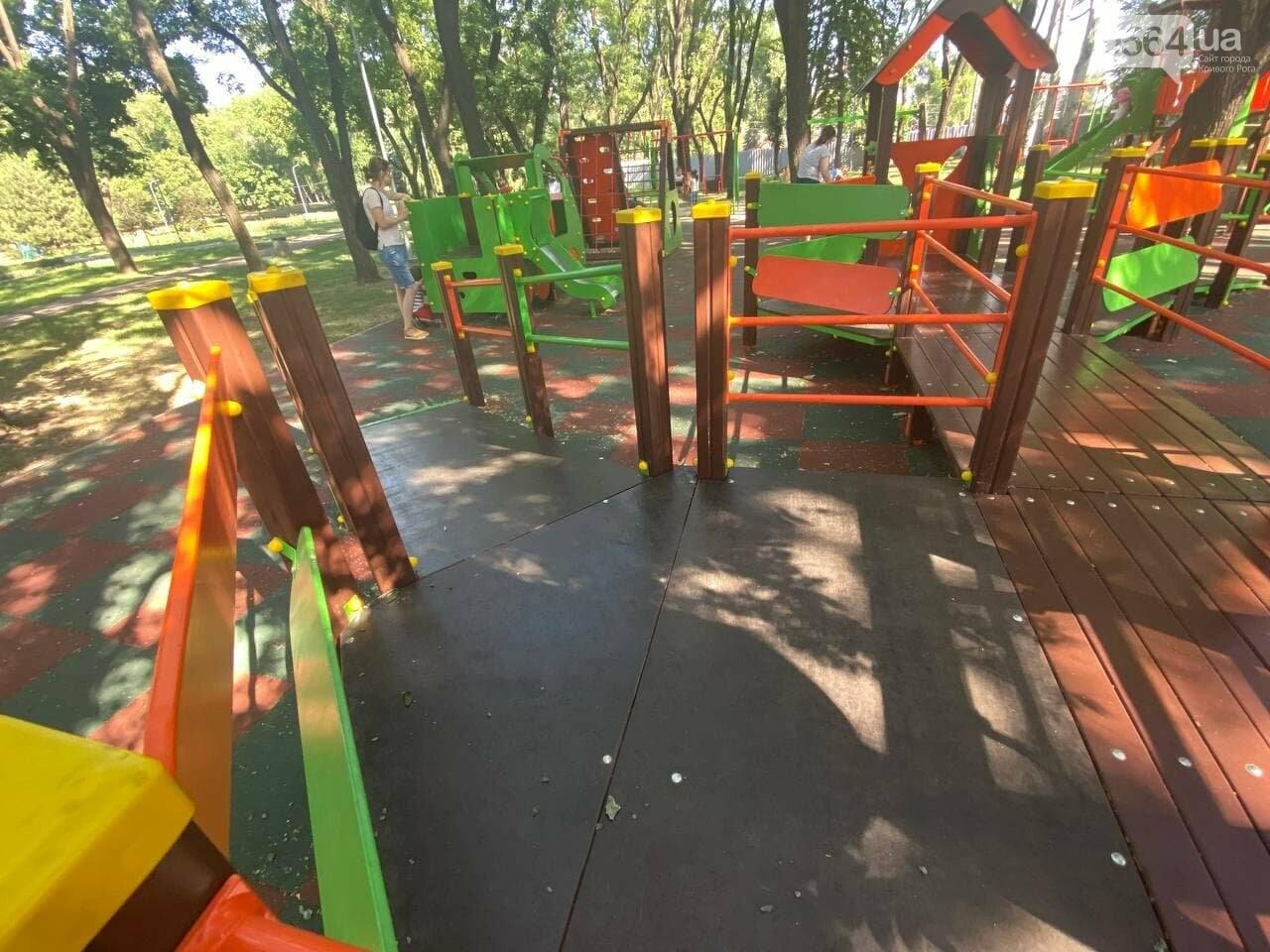 В Кривом Роге родители обсуждают безопасность новой детской площадки возле горисполкома, - ФОТО , фото-8