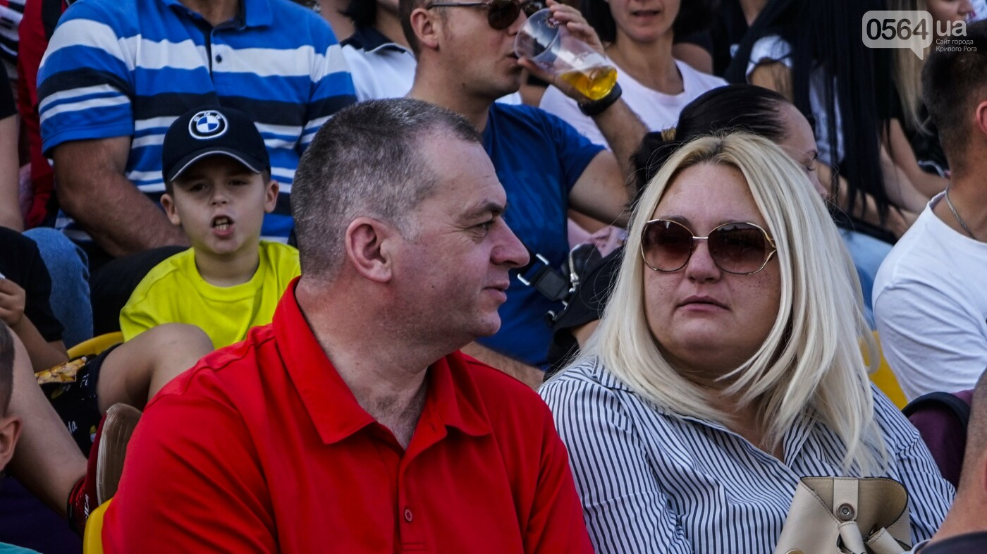 """""""Только Кривбасс и только победа!"""": сотни криворожан пришли поддержать любимую команду в матче против """"Ужгорода"""", - ФОТО, ВИДЕО , фото-43"""