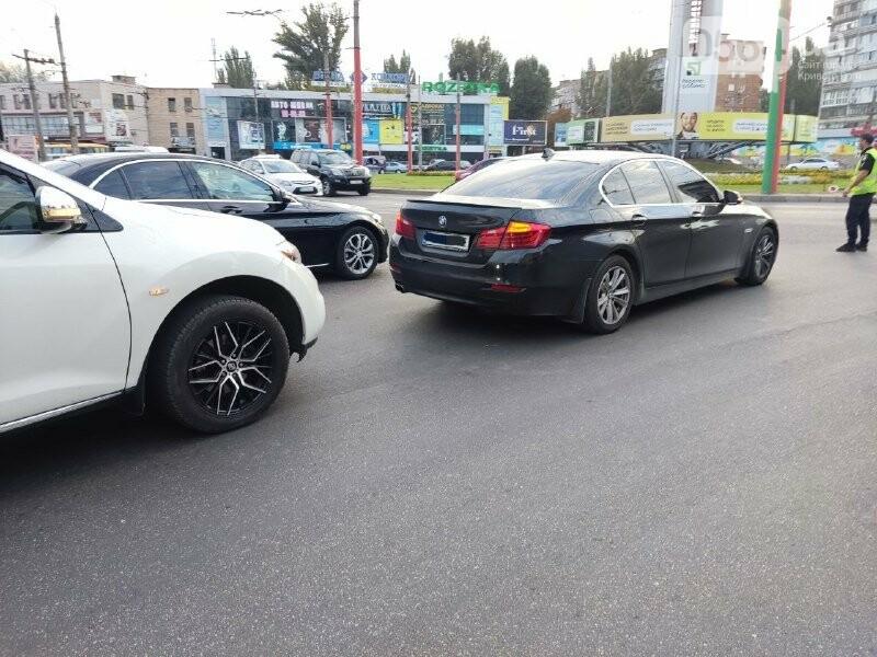 В центре Кривого Рога столкнулись BMW и Nissan, - ФОТО, фото-7