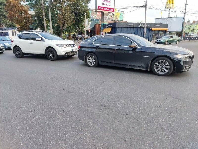 В центре Кривого Рога столкнулись BMW и Nissan, - ФОТО, фото-9