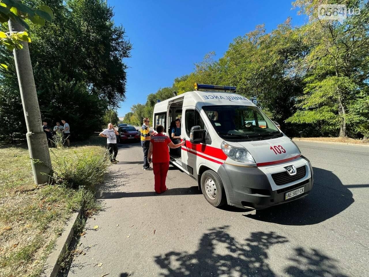 Два человека пострадали в аварии возле объездной дороги в Кривом Роге, - ФОТО, фото-2