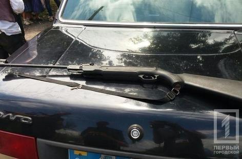 Криворожанин с ружьем пытался забрать у матери автомобиль (ФОТО), фото-1