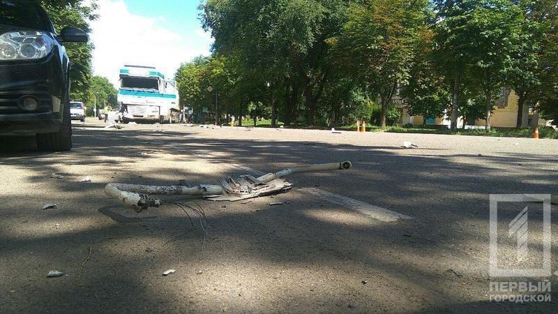 В результате столкновения двух фур в Кривом Роге пострадала девушка (ФОТО), фото-3