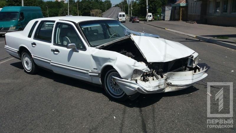"""В Кривом Роге в результате столкновения  """"Lincoln"""" и """"Opel"""" пострадали 5  человек (ФОТО), фото-3"""