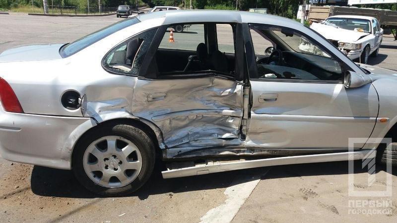 """В Кривом Роге в результате столкновения  """"Lincoln"""" и """"Opel"""" пострадали 5  человек (ФОТО), фото-4"""