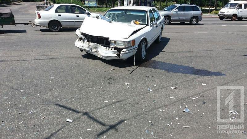 """В Кривом Роге в результате столкновения  """"Lincoln"""" и """"Opel"""" пострадали 5  человек (ФОТО), фото-1"""