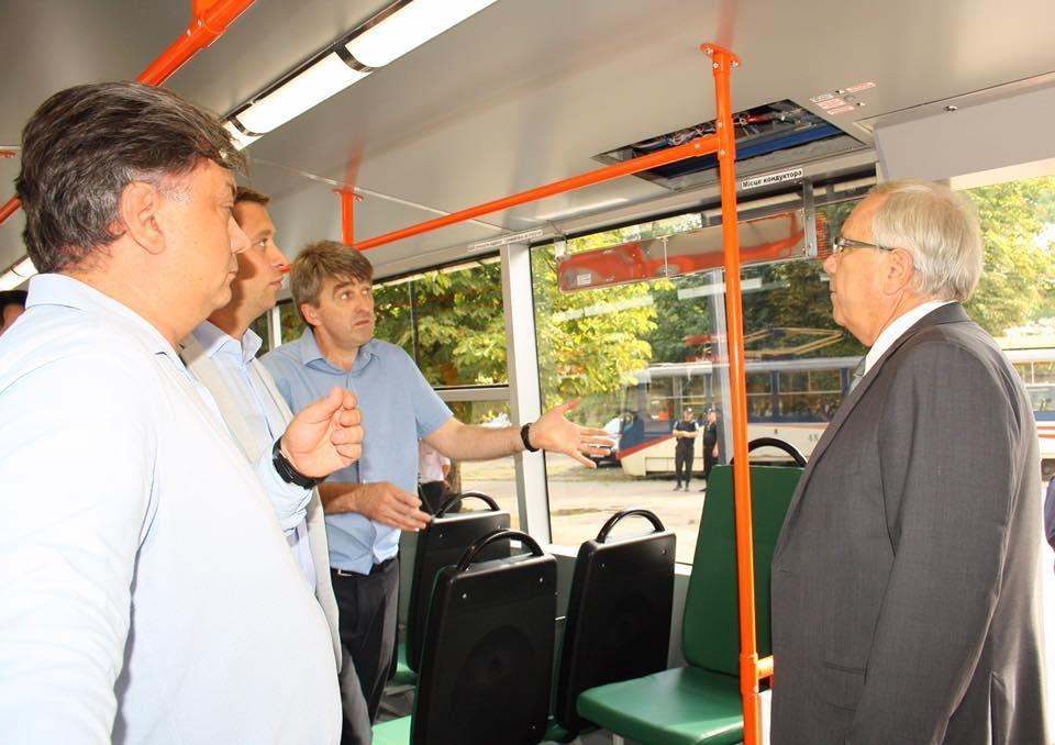 """""""Слепили пулю"""": руками криворожан был реконструирован вагон трамвая  (ФОТО), фото-2"""