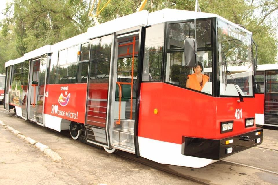 """""""Слепили пулю"""": руками криворожан был реконструирован вагон трамвая  (ФОТО), фото-6"""
