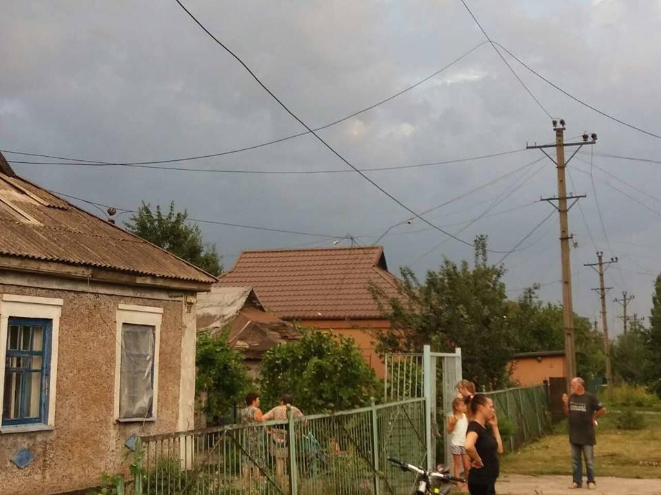 Оборванные электропровода, сорванный с крыш шифер: по Кривбассу пронесся смерч (ФОТО, ВИДЕО), фото-12