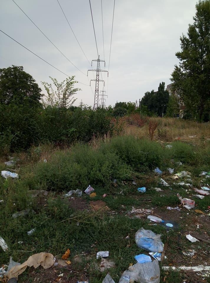 Криворожане создали на месте санитарно-защитной зоны мусорную свалку (ФОТО), фото-1