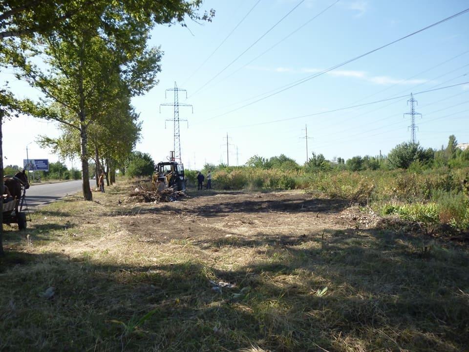 Криворожане создали на месте санитарно-защитной зоны мусорную свалку (ФОТО), фото-4