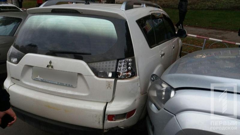 В Кривом Роге маршрутка с пассажирами врезалась в припаркованные автомобили (ФОТО), фото-4