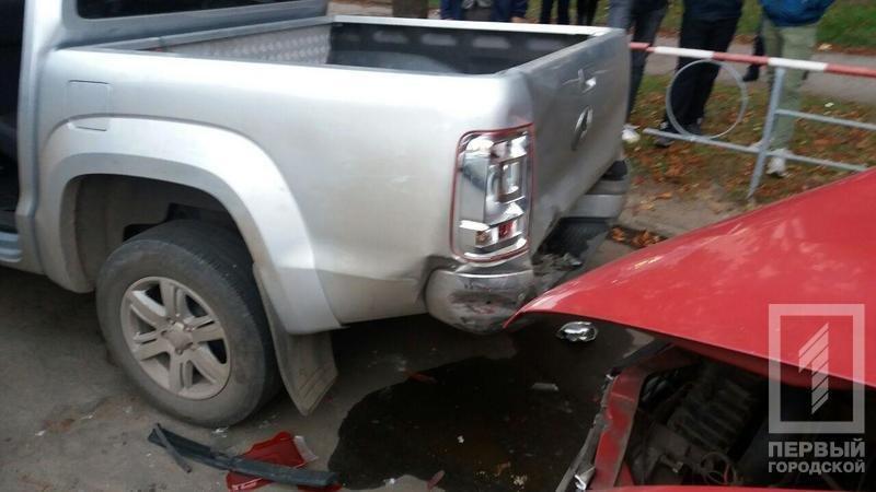 В Кривом Роге маршрутка с пассажирами врезалась в припаркованные автомобили (ФОТО), фото-3