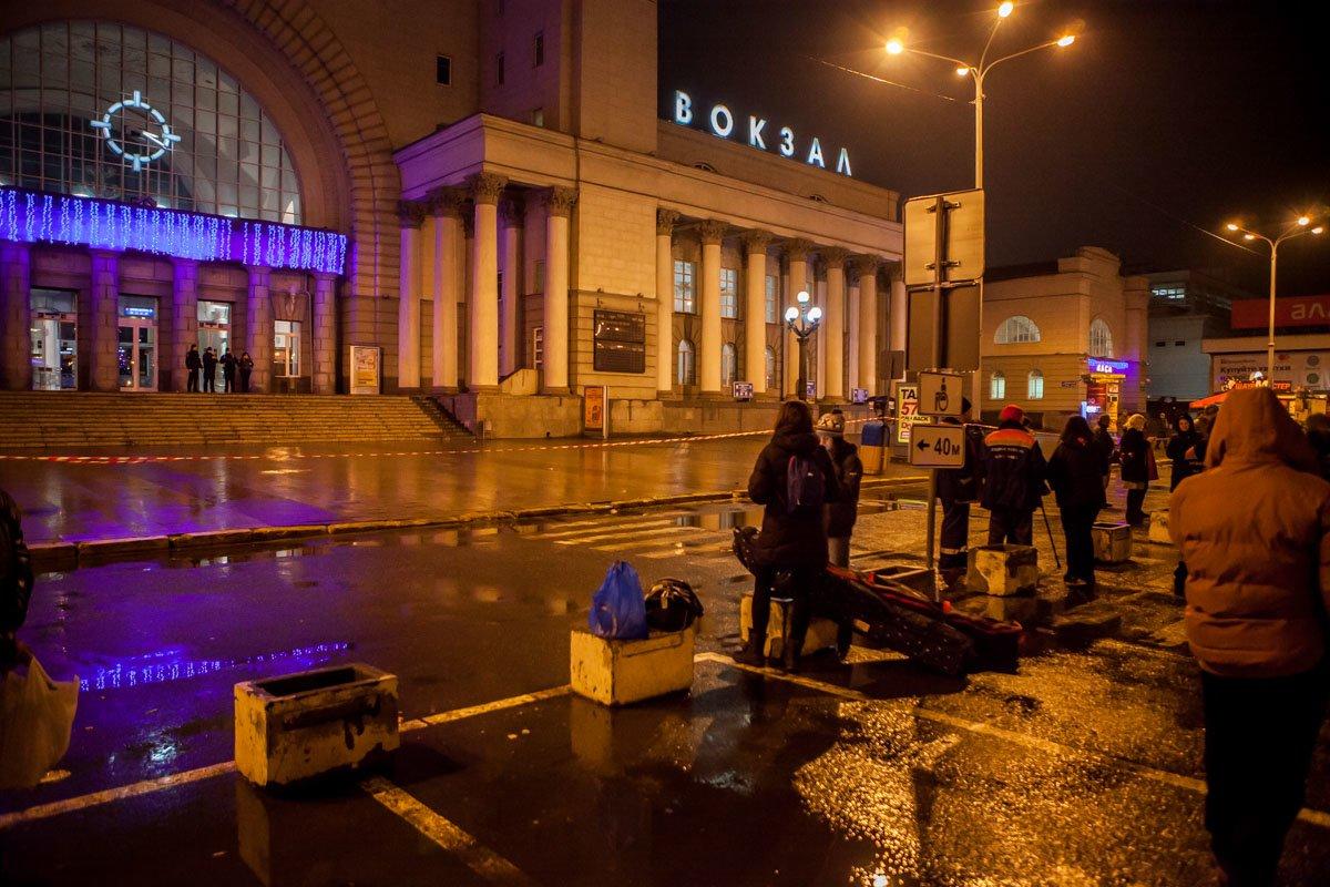"""В новогоднюю ночь в Днепре """"заминировали"""" все вокзалы (ФОТО, ВИДЕО), фото-2"""