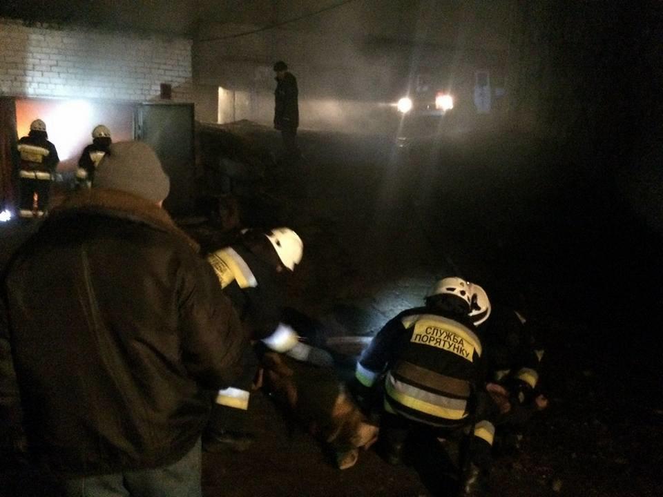 В Днепре в первые минуты 2018 года на пожаре в гараже обнаружили труп (ФОТО), фото-2