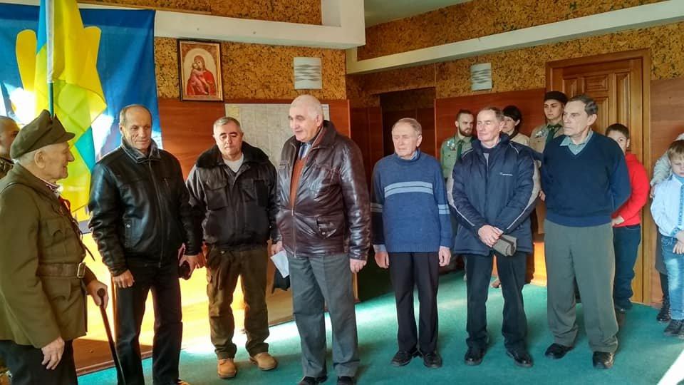 Повстанческую легенду Кривого Рога поздравили с юбилеем активисты и пластуны (ФОТО), фото-22