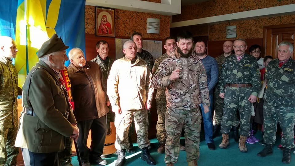 Повстанческую легенду Кривого Рога поздравили с юбилеем активисты и пластуны (ФОТО), фото-14