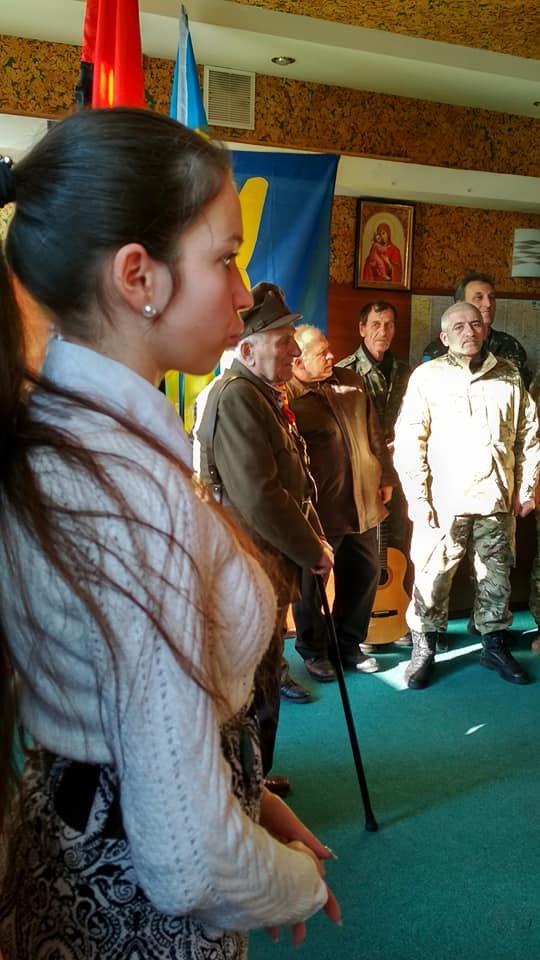 Повстанческую легенду Кривого Рога поздравили с юбилеем активисты и пластуны (ФОТО), фото-18