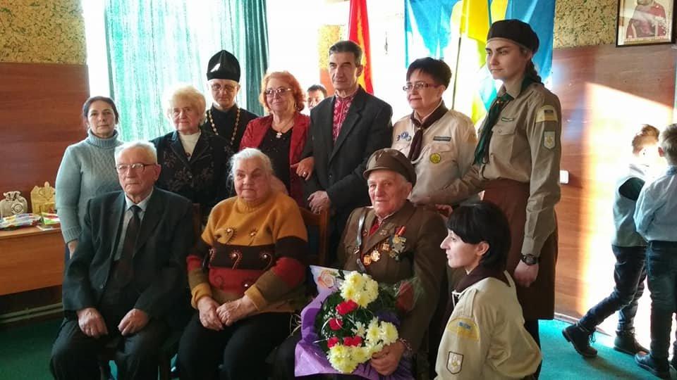Повстанческую легенду Кривого Рога поздравили с юбилеем активисты и пластуны (ФОТО), фото-20