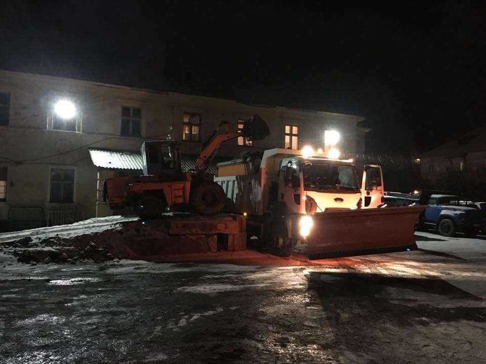 """В УБЖП отчитались, как """"пережили"""" первый длительный снегопад в Кривом Роге (ФОТО), фото-4"""