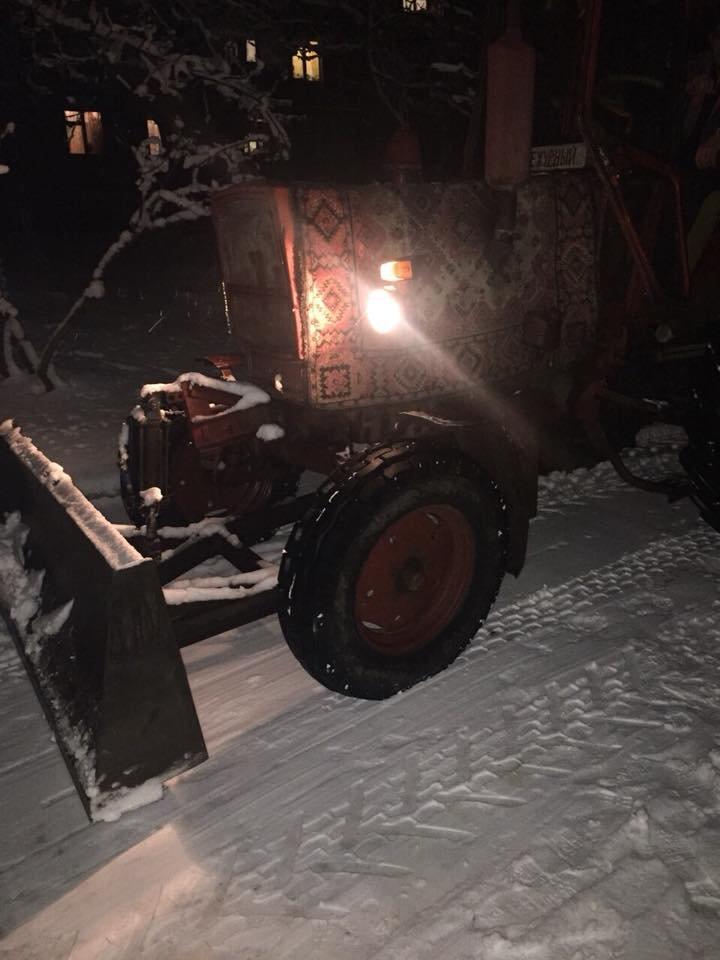 """За день в Кривом Роге использовали 338 тонн противогололедной смеси и ночью будут убирать """"кашу"""" с дорог (ФОТО), фото-8"""