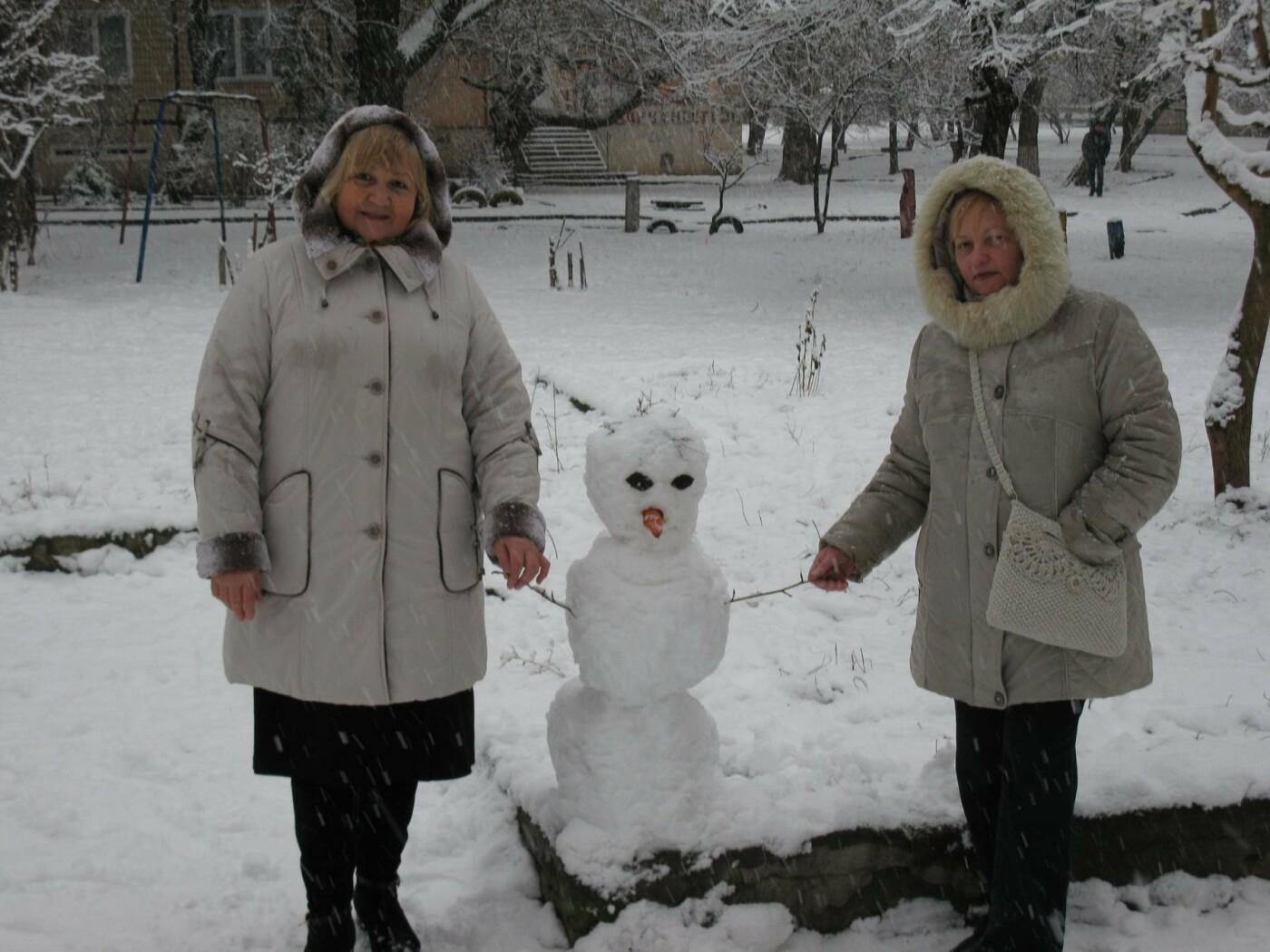 Снежный флешмоб в Кривом Роге: Горожане вылепили огромного Почекуна и сотни снеговиков (ФОТО), фото-14