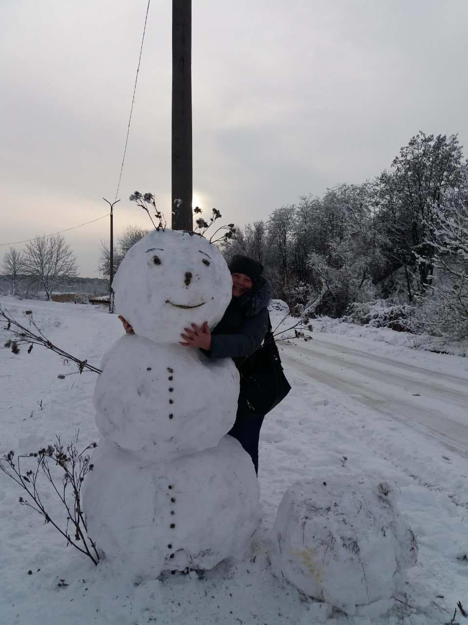 Снежный флешмоб в Кривом Роге: Горожане вылепили огромного Почекуна и сотни снеговиков (ФОТО), фото-10