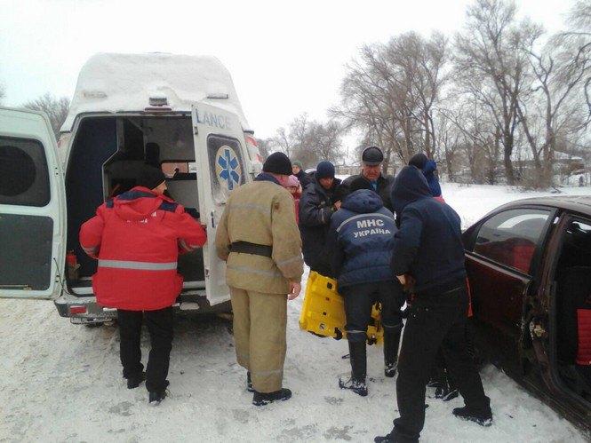 """Под Кривым Рогом при попытке обогнать грузовик, """"Ланос"""" попал в ДТП  (ФОТО), фото-3"""
