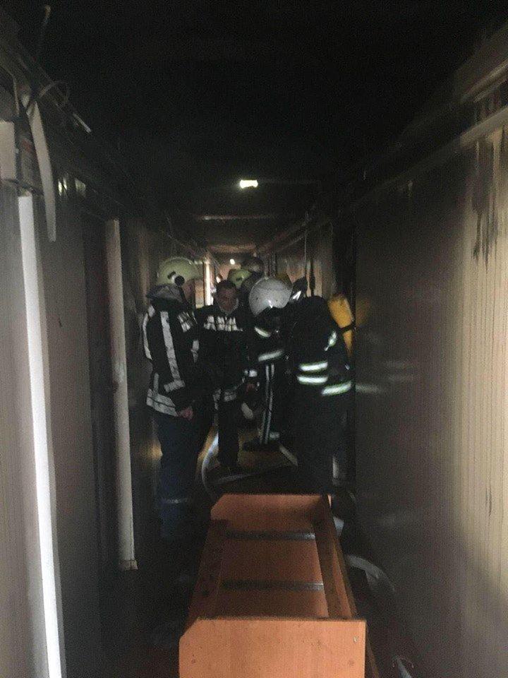 Во время масштабного пожара в криворожской многоэтажке удалось эвакуировать 15 человек (ФОТО), фото-10