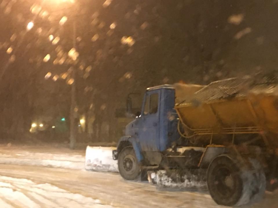 Ночью криворожские дороги расчищала тяжелая техника (ФОТО), фото-15