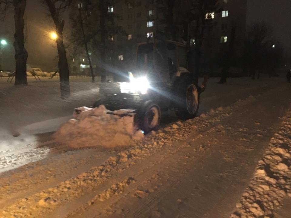 Ночью криворожские дороги расчищала тяжелая техника (ФОТО), фото-6