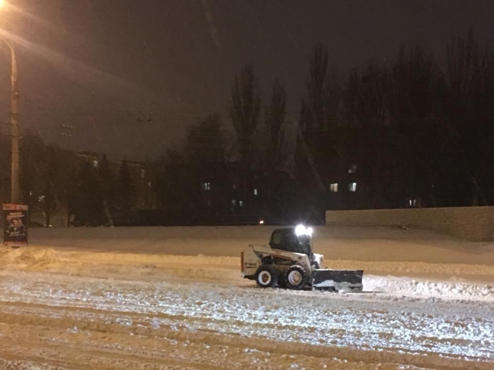 Ночью криворожские дороги расчищала тяжелая техника (ФОТО), фото-4