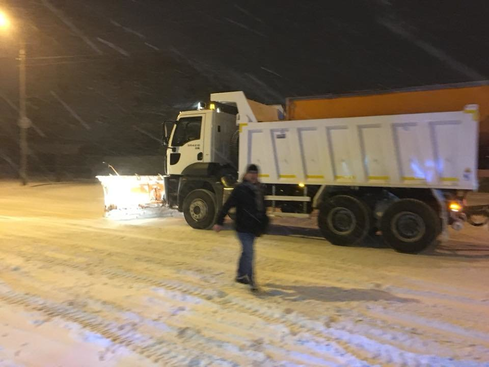 Ночью криворожские дороги расчищала тяжелая техника (ФОТО), фото-9