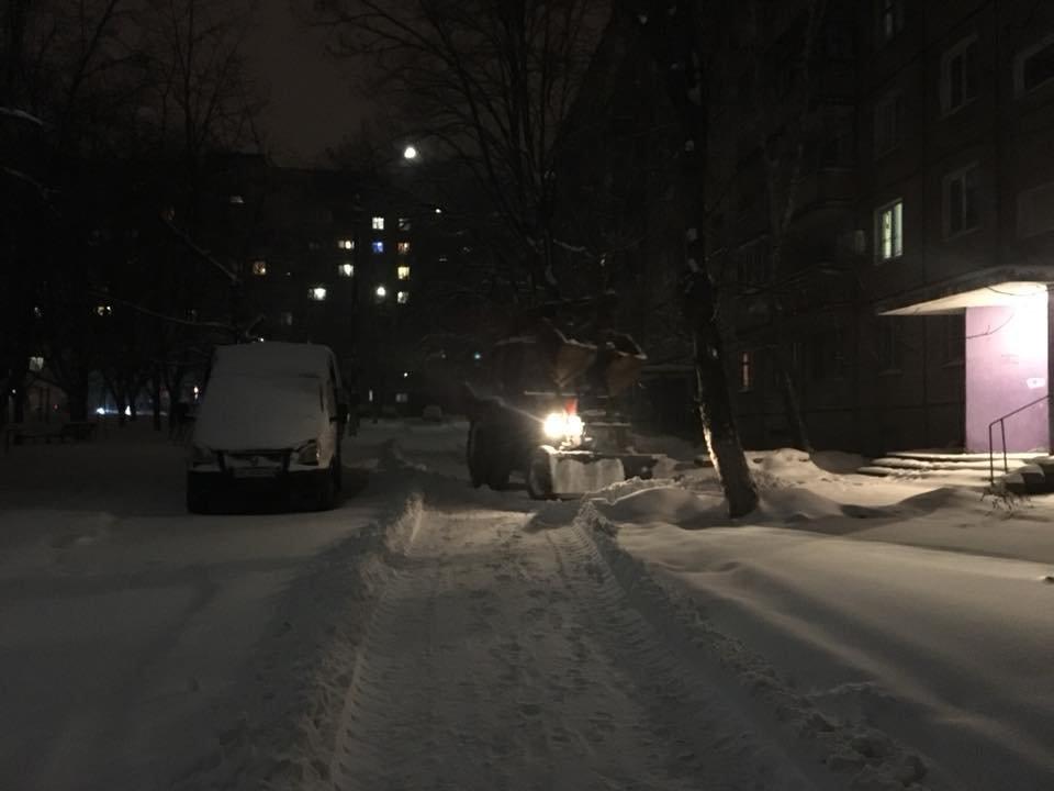Ночью криворожские дороги расчищала тяжелая техника (ФОТО), фото-5