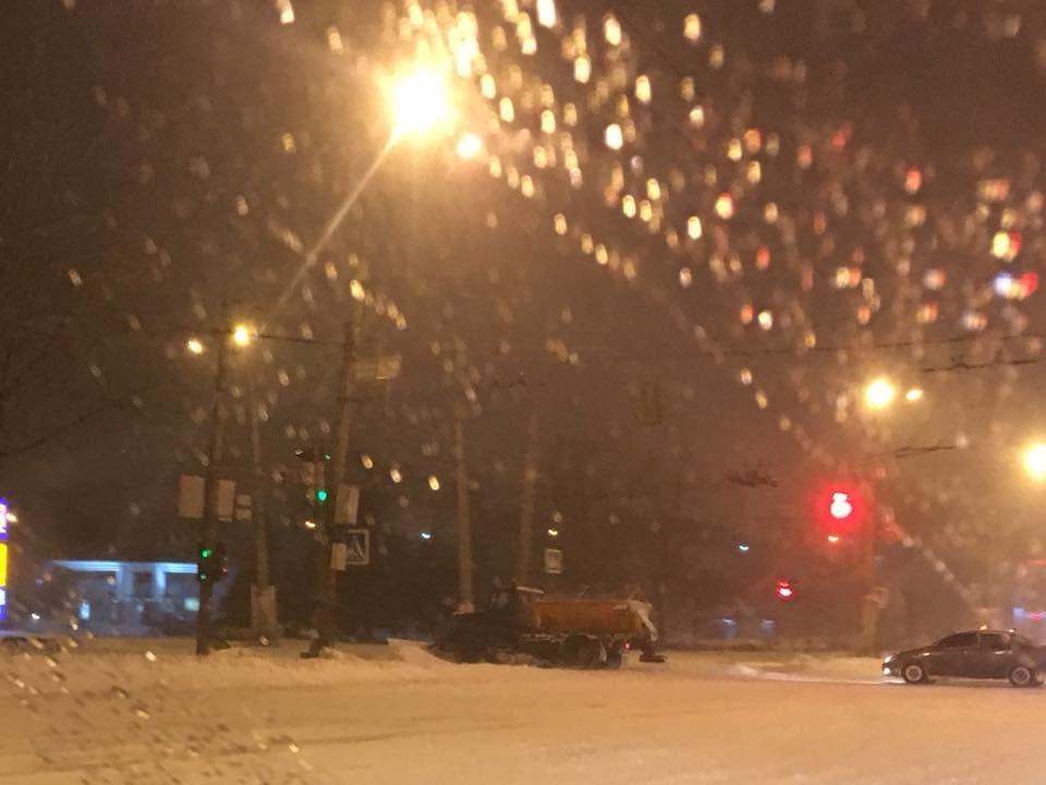 Ночью криворожские дороги расчищала тяжелая техника (ФОТО), фото-2