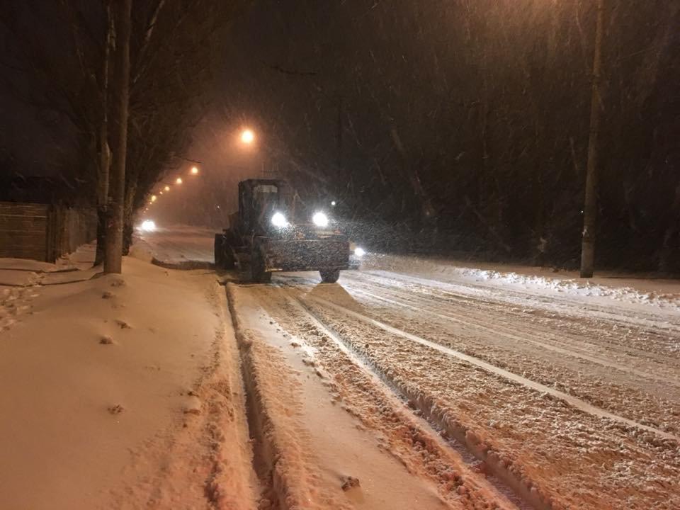 Ночью криворожские дороги расчищала тяжелая техника (ФОТО), фото-20