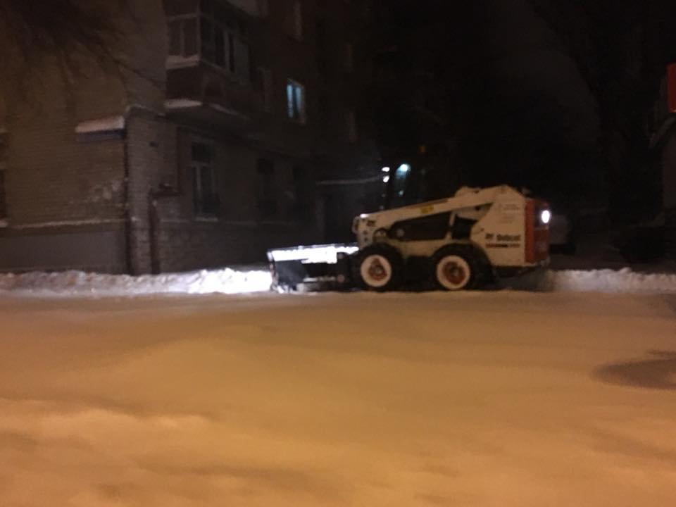 Ночью криворожские дороги расчищала тяжелая техника (ФОТО), фото-1