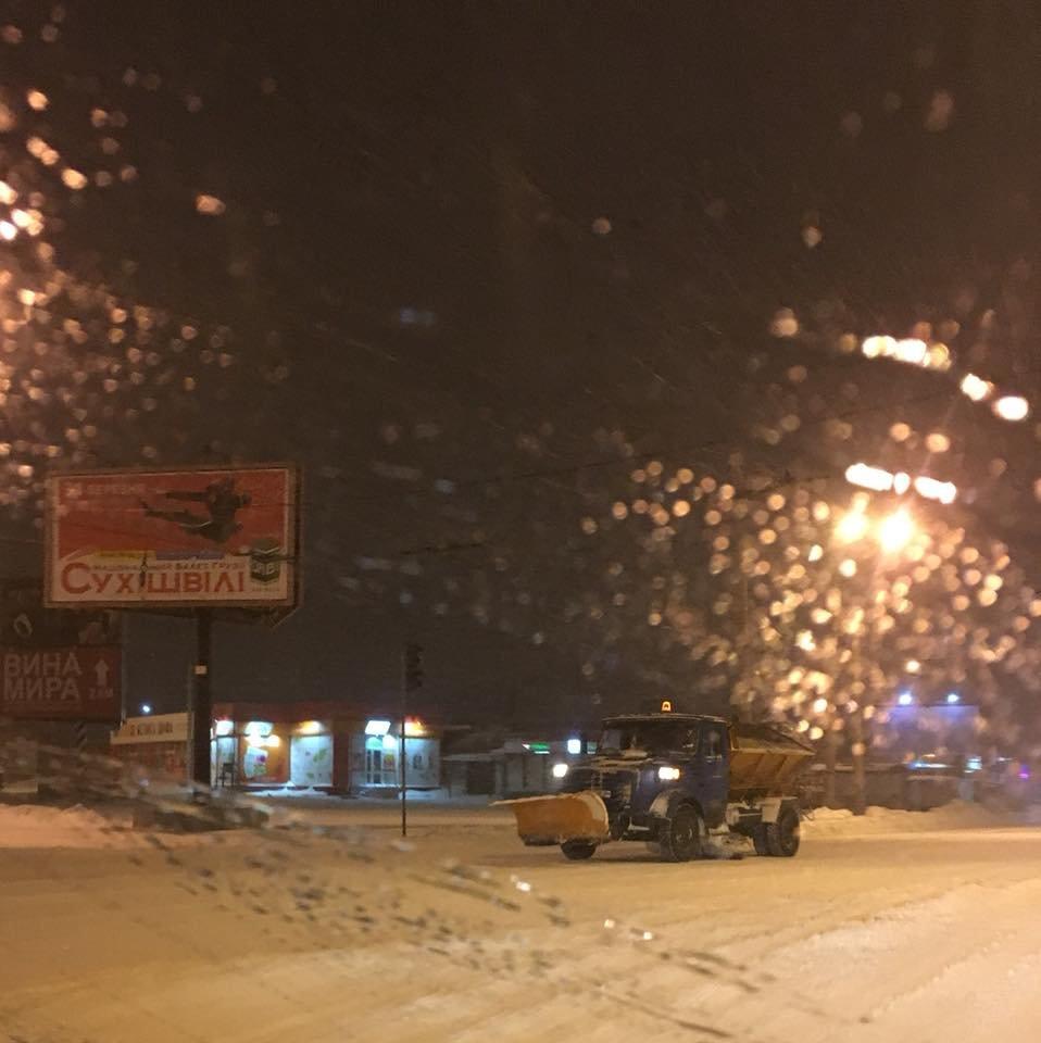 Ночью криворожские дороги расчищала тяжелая техника (ФОТО), фото-14