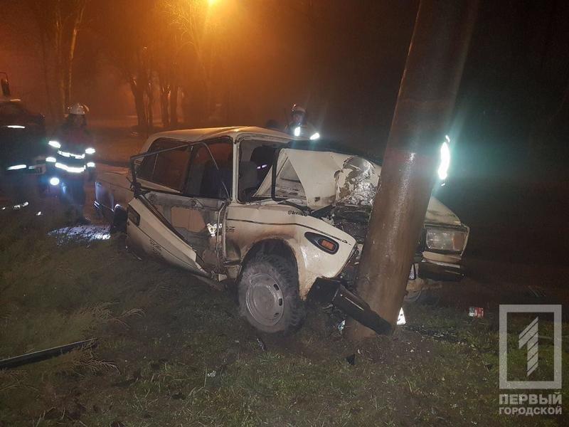 Ночью в Кривом Роге в результате жуткой аварии погиб мужчина, которого доставали с помощью спецтехники (ФОТО 18+), фото-3