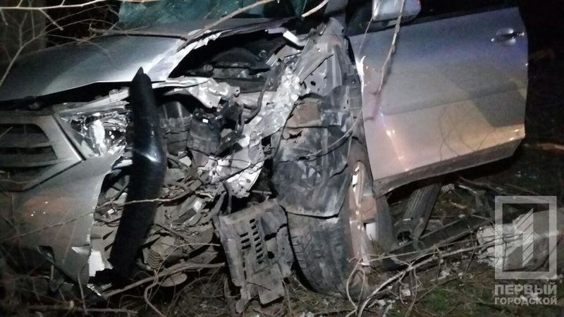 "ДТП в Кривого Рога: ""Toyota"" зацепила две легковушки и влетела в столб (ФОТО), фото-6"