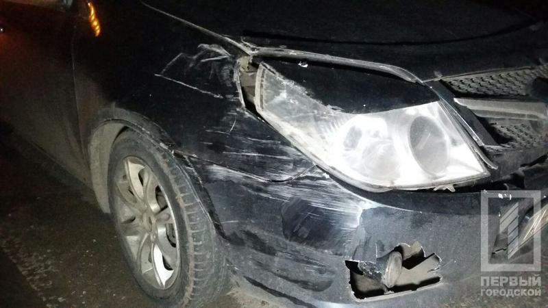 "ДТП в Кривого Рога: ""Toyota"" зацепила две легковушки и влетела в столб (ФОТО), фото-5"