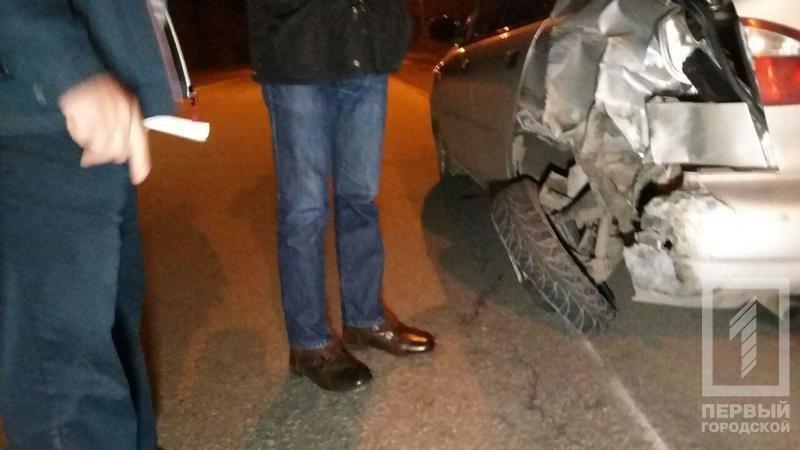 "ДТП в Кривого Рога: ""Toyota"" зацепила две легковушки и влетела в столб (ФОТО), фото-4"