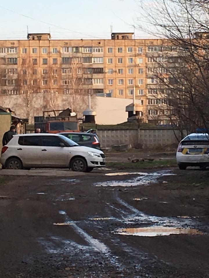 В Кривом Роге в нескольких метрах от суда нашли  пункт приема металла (ФОТО), фото-4
