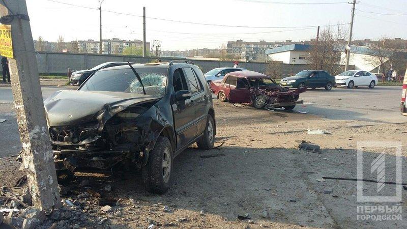 Смертельное ДТП в Кривом Роге: В результате столкновения двух легковушек, погиб водитель, пассажир в тяжелом состоянии, фото-6
