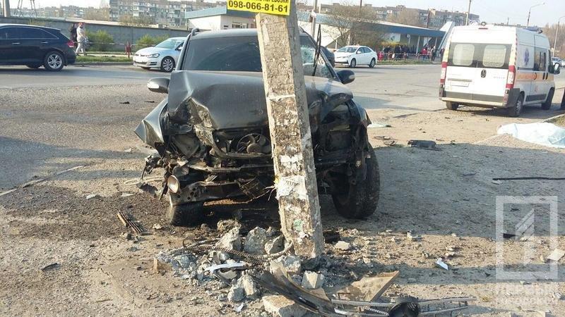 Смертельное ДТП в Кривом Роге: В результате столкновения двух легковушек, погиб водитель, пассажир в тяжелом состоянии, фото-3