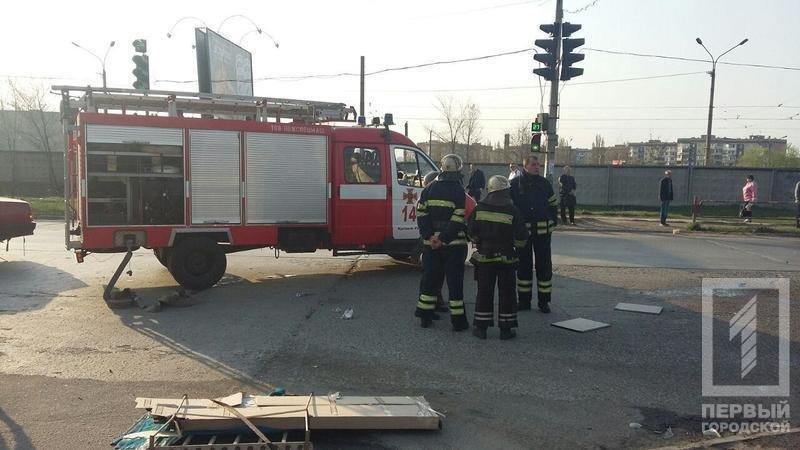 Смертельное ДТП в Кривом Роге: В результате столкновения двух легковушек, погиб водитель, пассажир в тяжелом состоянии, фото-1