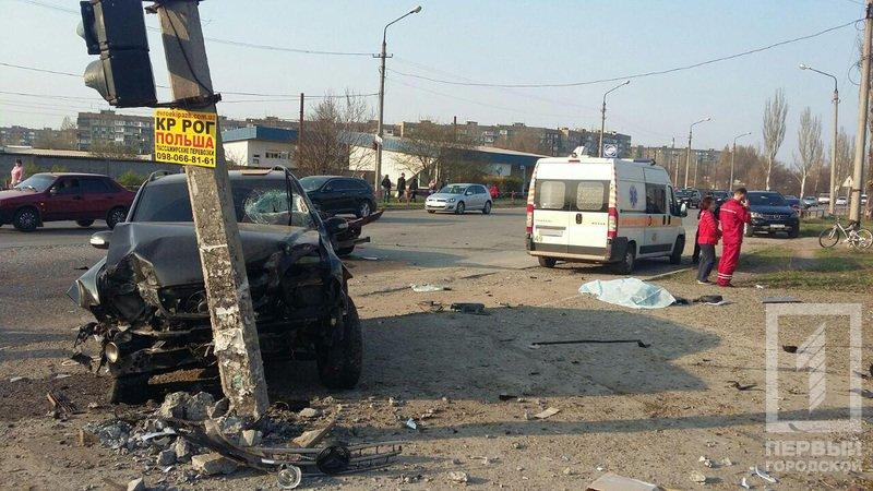 Смертельное ДТП в Кривом Роге: В результате столкновения двух легковушек, погиб водитель, пассажир в тяжелом состоянии, фото-8